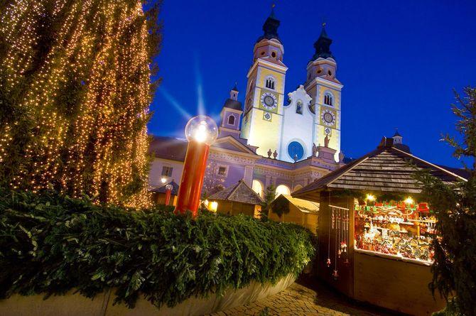 An den Ständen kann man handgemachte Geschenke kaufen (© Tourismusverein Brixen)