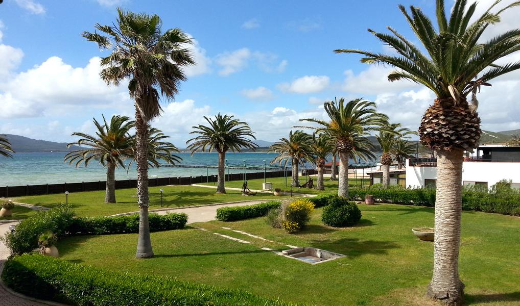 Seitlicher Meerblick vom Balkon unserer Junior-Suite (© Redaktion - Portanapoli.com)