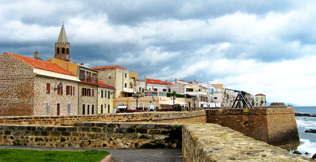 Begehbare Stadtmauer von Alghero (© Redaktion - Portanapoli.com)