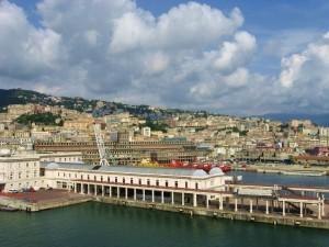 Hafen in Genua vom Kreuzfahrtschiff (© Redaktion - Portanapoli.com)