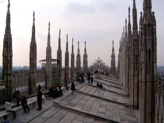 Auf dem Dach der Kathedrale kann man sich ausruhen und den Blick genießen (© Redaktion - Portanapoli.com)