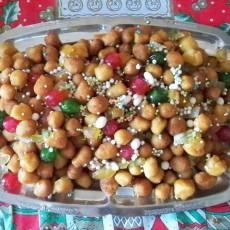 Leckeres Weihnachtsgebäck: Struffoli aus Neapel