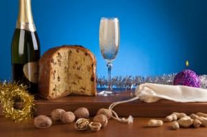 An Silvester gibt es ein Gals Sekt mit Panettone (© Lionello Rovati - Fotolia.com)