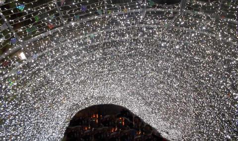 Ein Sternenhimmel aus Lichtern (© Umberto - Portanapoli.com)