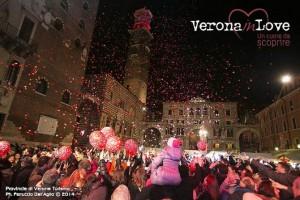 """""""Verona in love"""": Ganz Verona träumt von der Liebe. Foto: © Ph. F. Dall'Aglio. Archivio Foto die Verona Turismo. www.tourism.verona.it"""