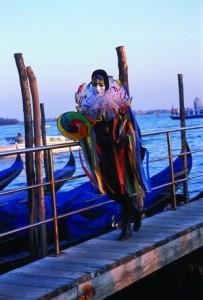 Ein bunter Phantasievogel: Harlekin in Venedig (© Vito Arcomano - Fototeca ENIT)