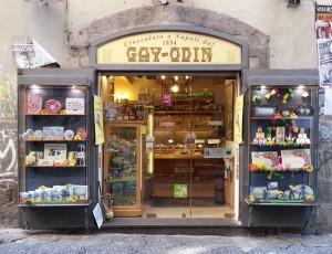 Bei Gay Odin gibt es leckeres Eis in allen Geschmacksrichtungen (© Redaktion Portanapoli.com)