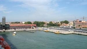 Auslaufen aus der Stazione Marittima in Venedig