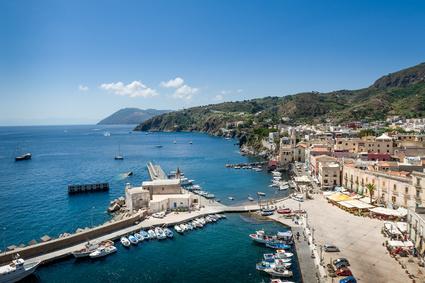 Hafen der Insel Lipari