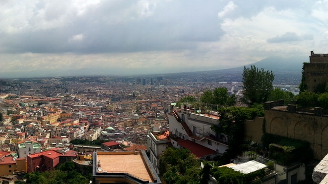 Panorama San Martino, rechts der Vesuv