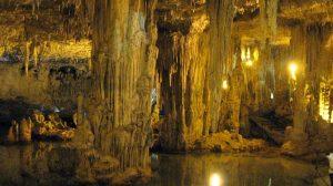 Salzwassersee in der Grotte