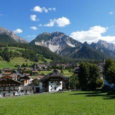 St. Vigil: Zauberhaftes Südtiroler Dorf in den Dolomiten