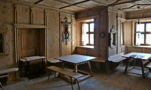 Der Herrgottswinkel fehlt in keiner Südtiroler Stube.