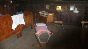 In diesem niedrigen und dunklen Zimmer schliefen noch bis in die 1990er die Bewohner