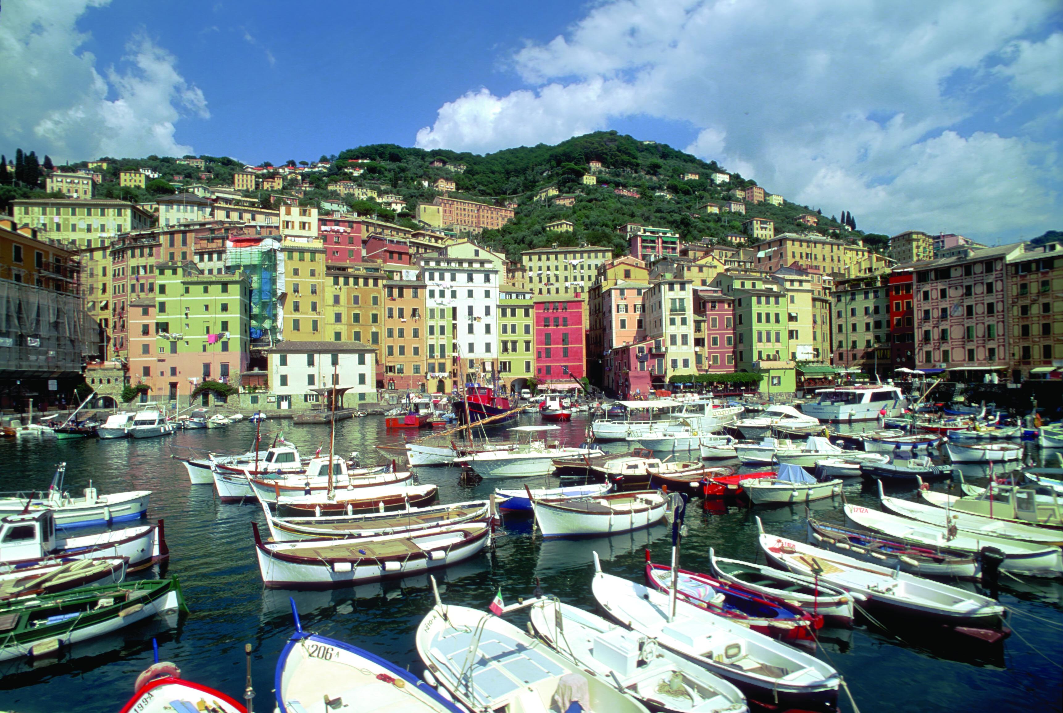 Fischerhafen von Camogli in Ligurien (© Vito Arcomano - Fototeca ENIT)