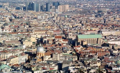 Die Altstadt von Neapel mit Spaccanapoli