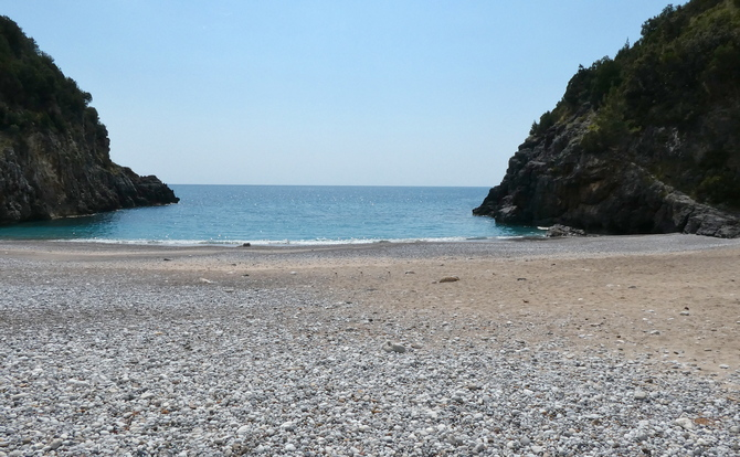 Blick auf Spiaggia del Pozzallo vom Restaurant