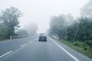 Im Fiat Millecento auf Entdeckungstour durch Italien. © Neue Visionen Filmverleih